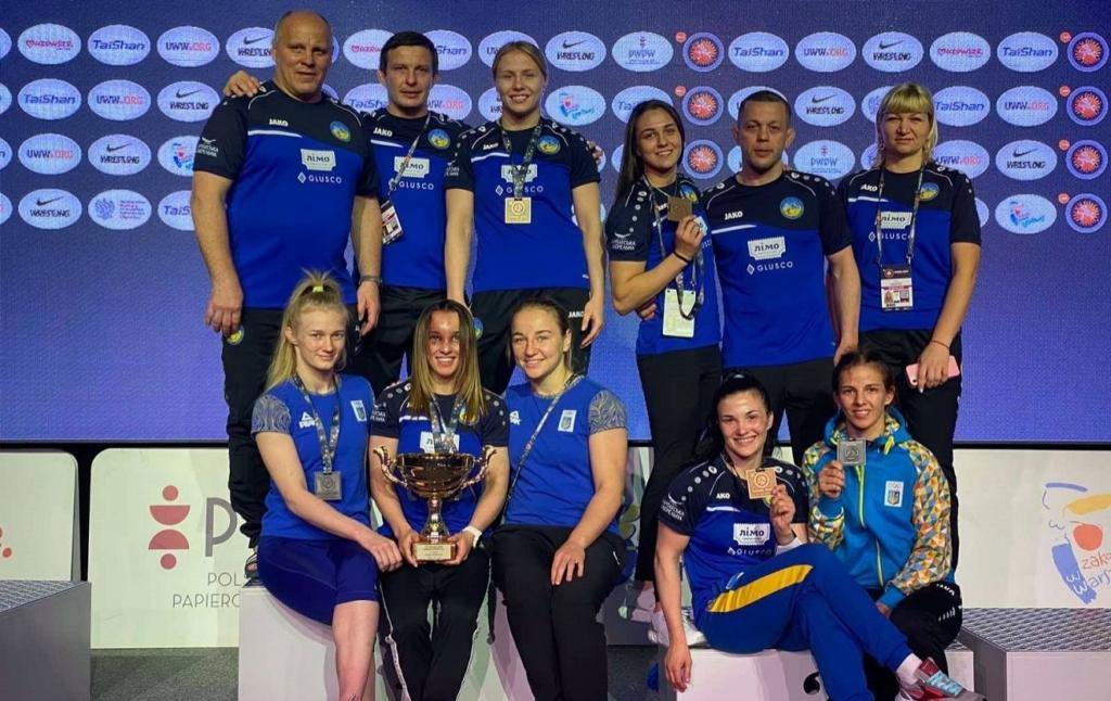 Украинская получили восемь медалей на турнире по борьбе в Варшаве