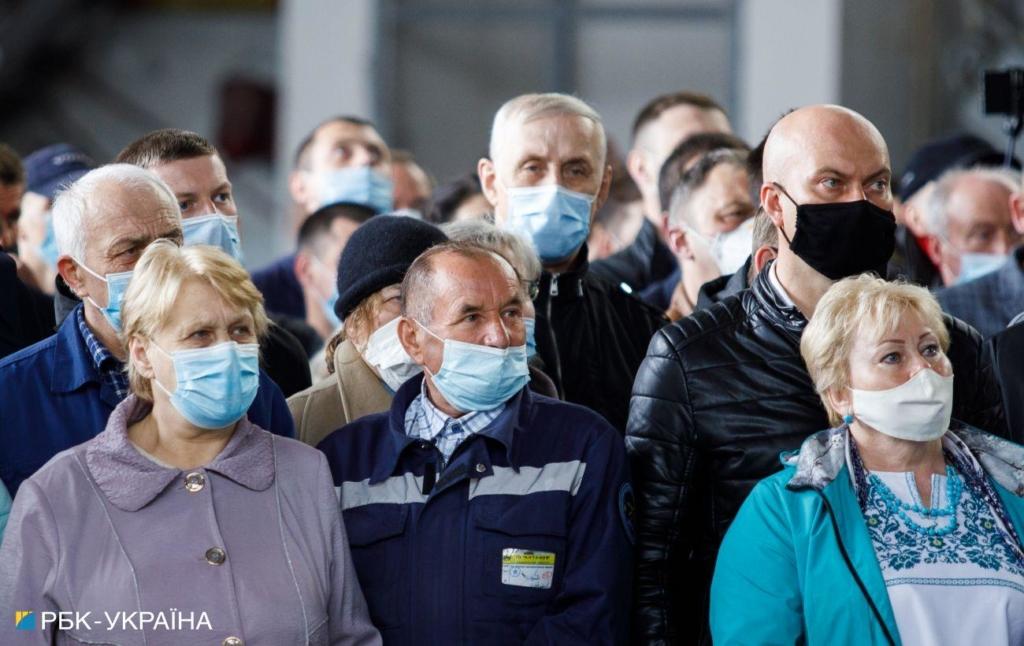 В Україні за добу виявили менше 500 нових випадків COVID-19