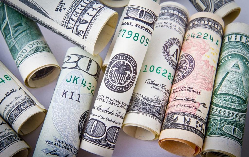 Курс долара прискорив падіння на міжбанку