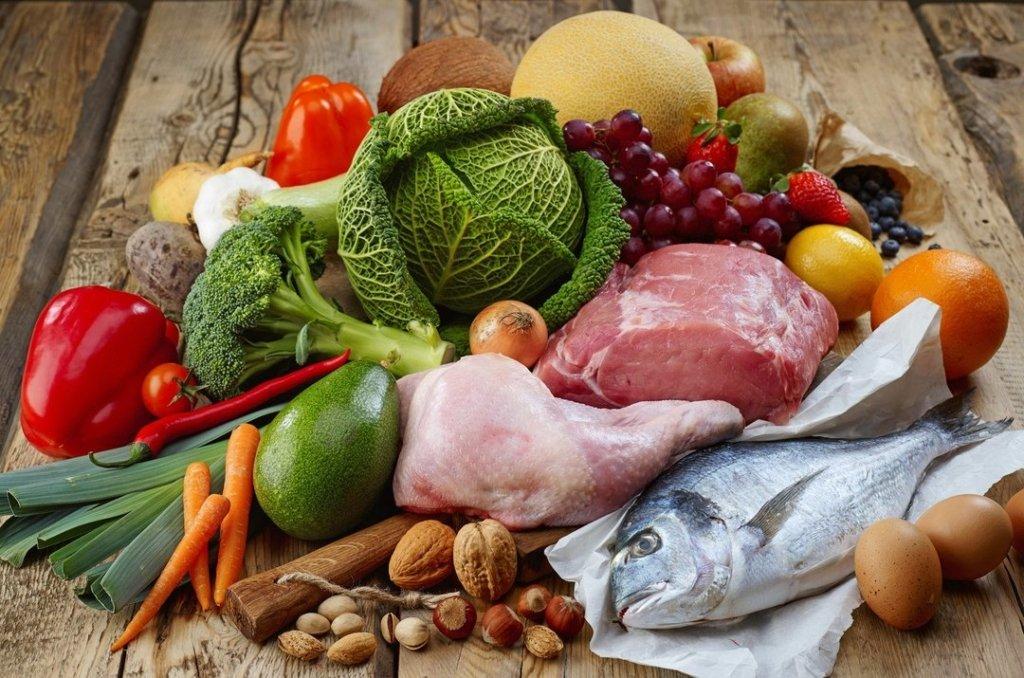 Близько 90% всіх спалахів інфекційних захворювань пов'язані з продуктами харчування