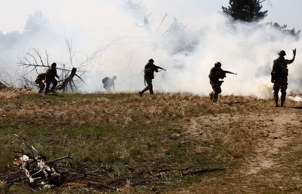 Бойовики знову порушили перемир'я на Донбасі: ООС повідомили про обстріл