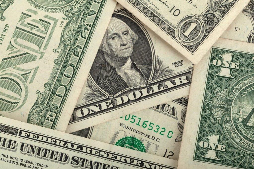 Долар продовжує дорожчати: озвучені нові курси валют