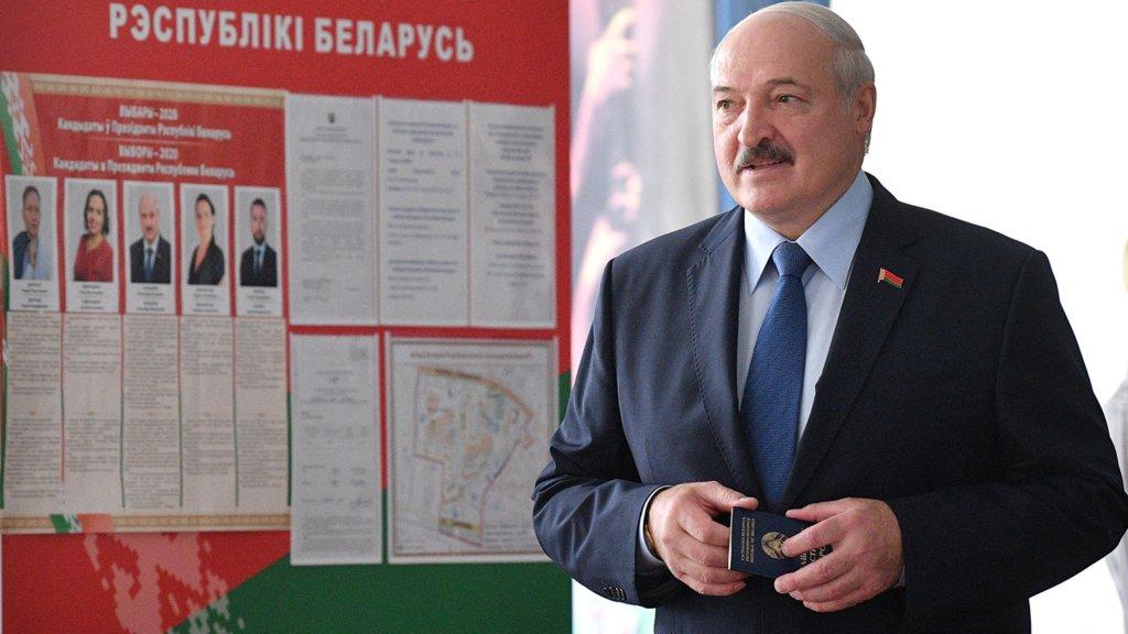 Лукашенко «пропав» після голосування, а після зробив дивну заяву