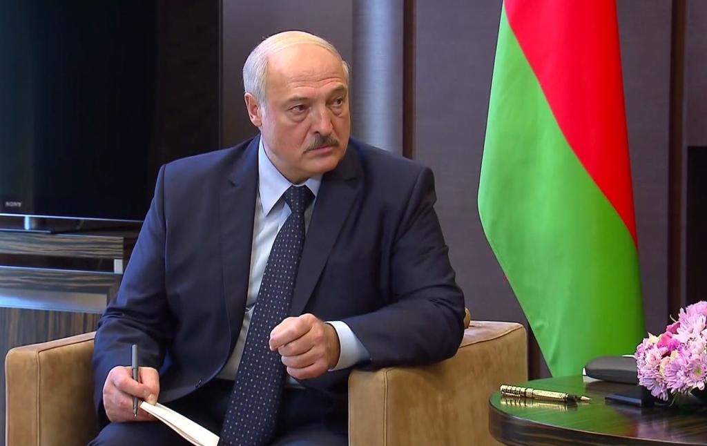 Лукашенко розповів, як ніби-то готувався держпереворот у Білорусі
