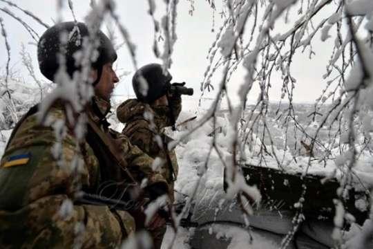 Війна на Донбасі: російські окупанти 14 раз гатили із забороненої зброї