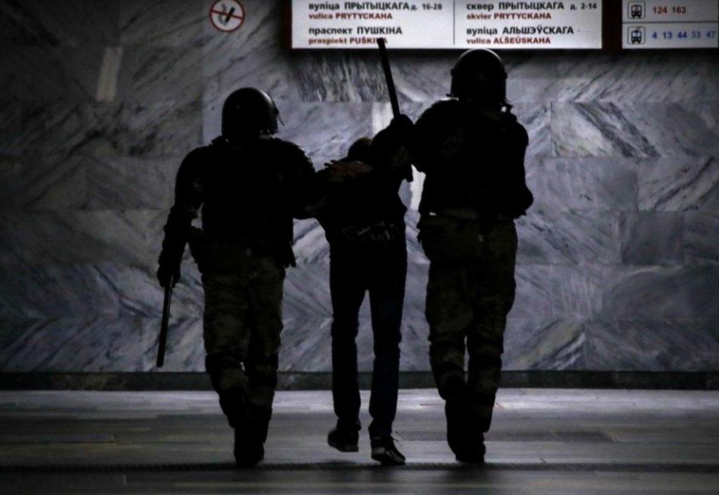 Тортури і згвалтування: як поводилися з затриманими в Мінську