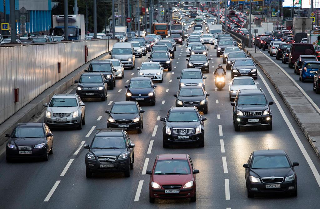 Як зміниться життя українців в жовтні: тарифи на комуналку, призов і штраф для водіїв