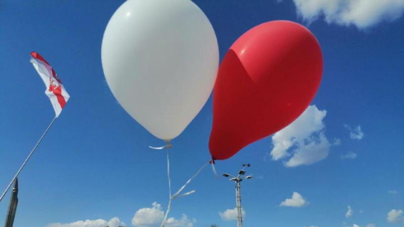 Білорусь і Литва влаштували дипломатичний скандал через кульки
