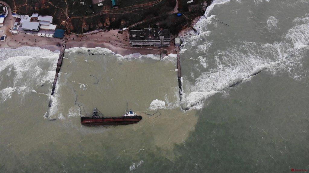 Власник Delfi перешкоджає евакуації судна в Одесі