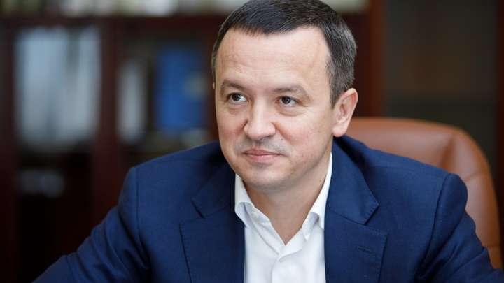 Министр экономики Петрашко задекларировал дома, люксовые авто и миллионы наличными