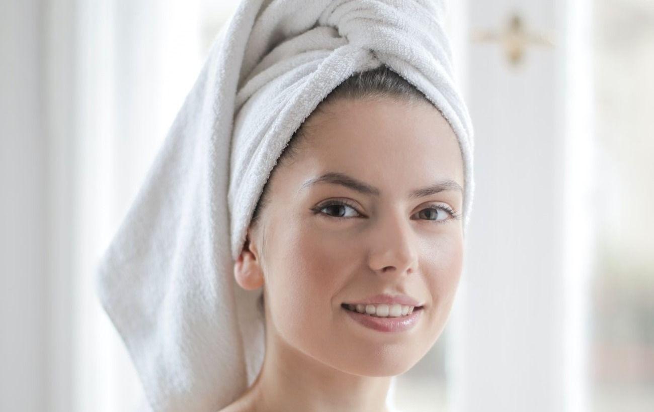 Незамінні для сухої і жирної шкіри: косметолог навчила правильно використовувати масла