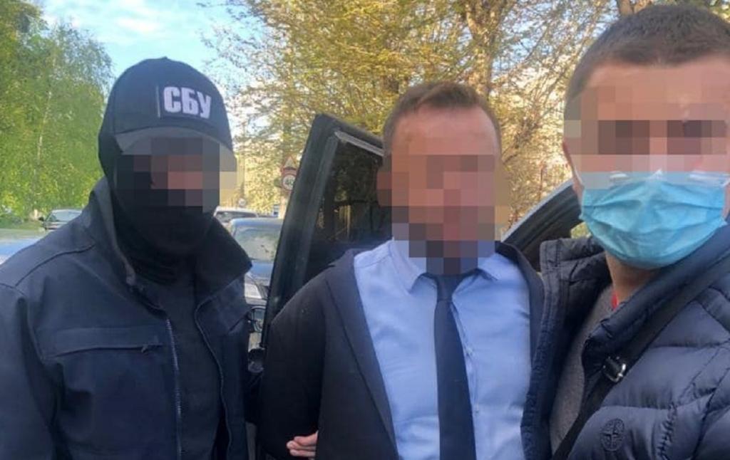 Депутат райсовета и председателя ОТГ Киевской области задержали по подозрению в мошенничестве
