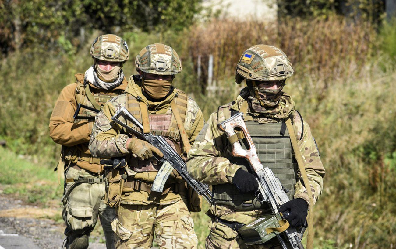 Боевики обстреляли украинских военных на Донбассе из минометов и гранатометов