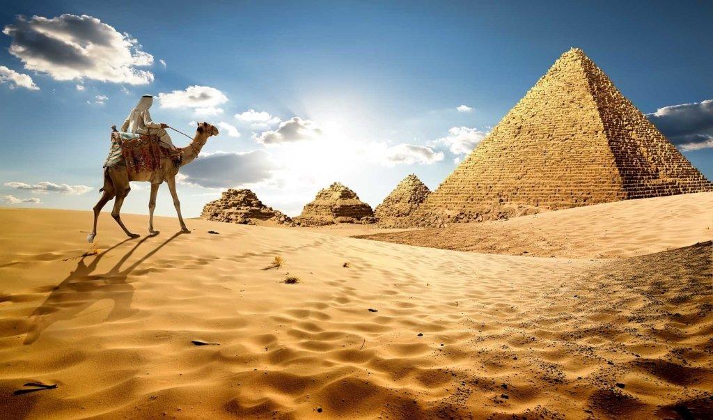 Маск заявив, що піраміди побудували інопланетяни — Єгипет кличе його перевірити могили будівельників