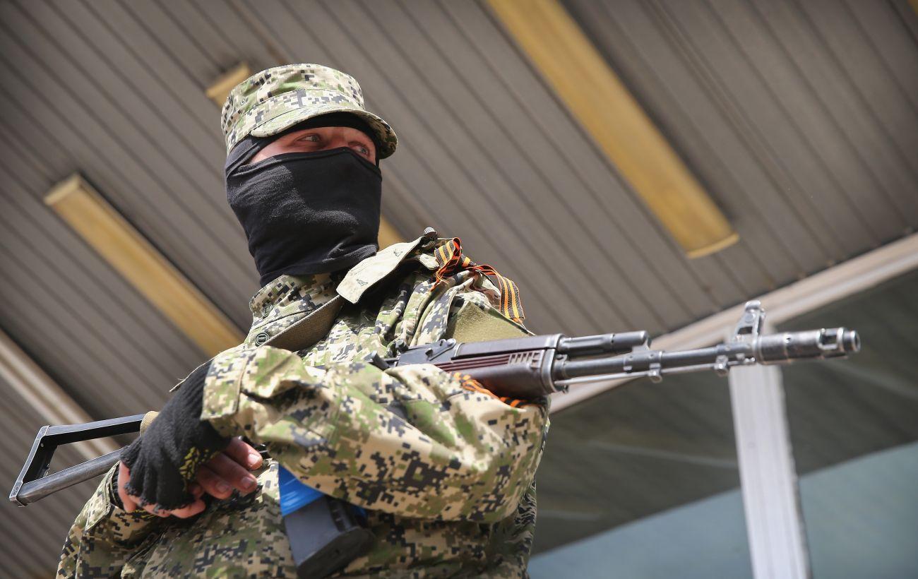 """Бойовики десять разів порушили режим """"тиші"""" на Донбасі, поранений військовий"""