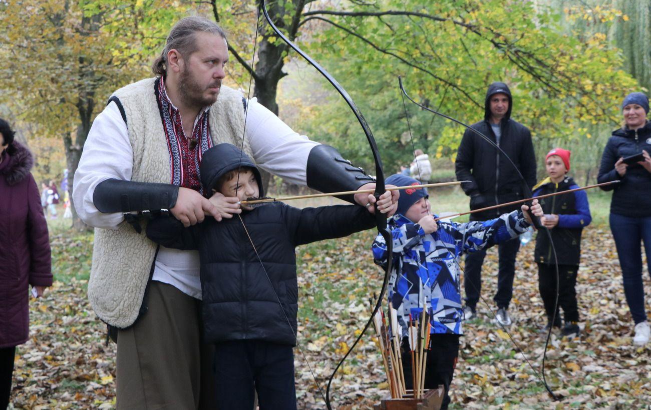 Понад 300 дніпрян взяли участь у патріотичному квесті, який влаштували до Дня козацтва