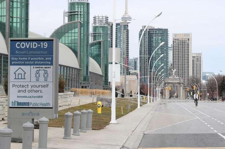 У найбільшому місті Канади вводять локдаун