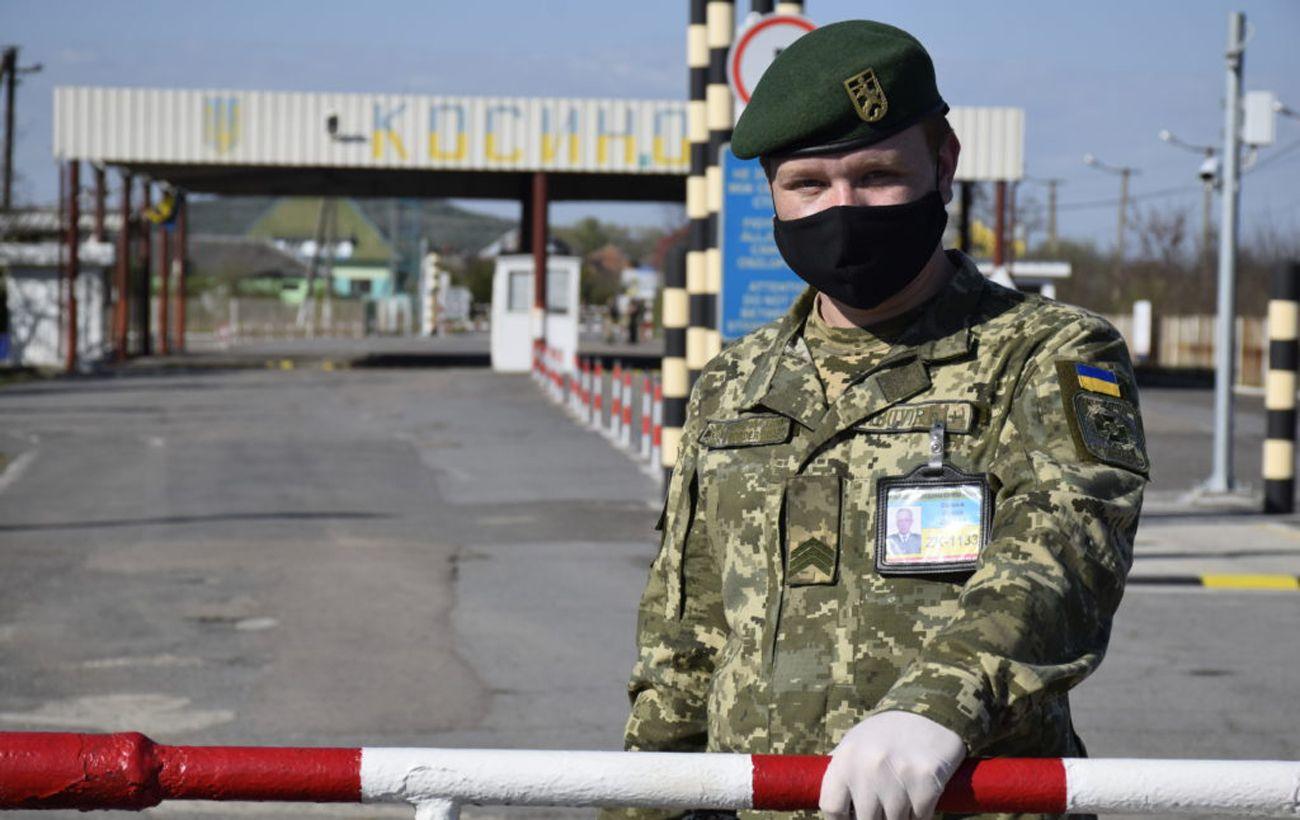 На західному кордоні України черги. На перетин чекають понад 300 автомобілів