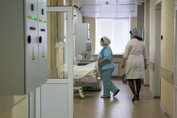 Коронавирус не отступает: в Украине выявлено более восемь тысяч новых больных