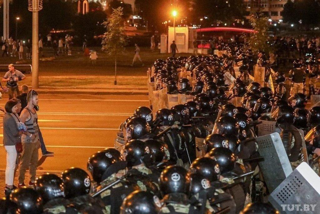 Протести в Білорусі: у великих містах зник мобільний інтернет