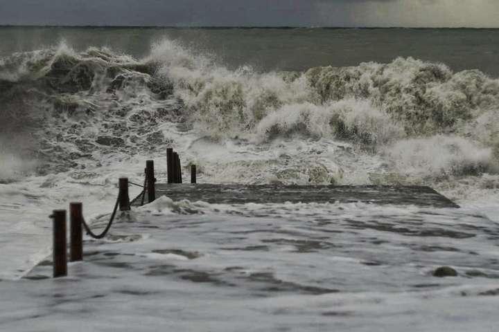 Бердянськ та Маріуполь завтра накриє шторм
