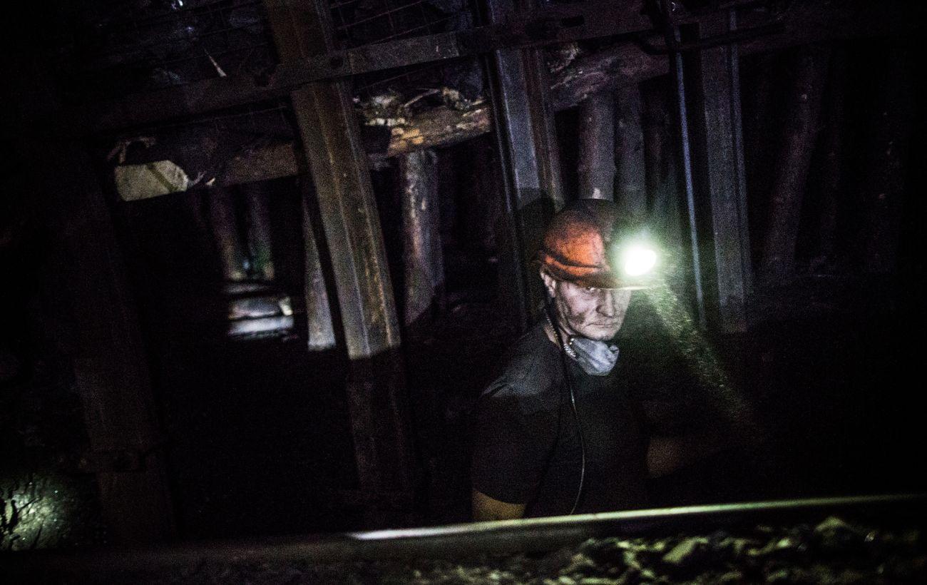 В Донецкой области произошел взрыв на шахте, госпитализированы 10 человек